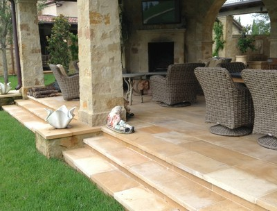 Chateau D'Or Coping and Step Treads (1)